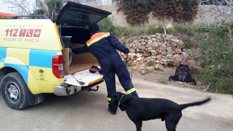 Voluntarios de Protección Civil en Totana colaboran en las labores de búsqueda del niño de ocho años desaparecido desde el pasado martes en Níjar (Almería)