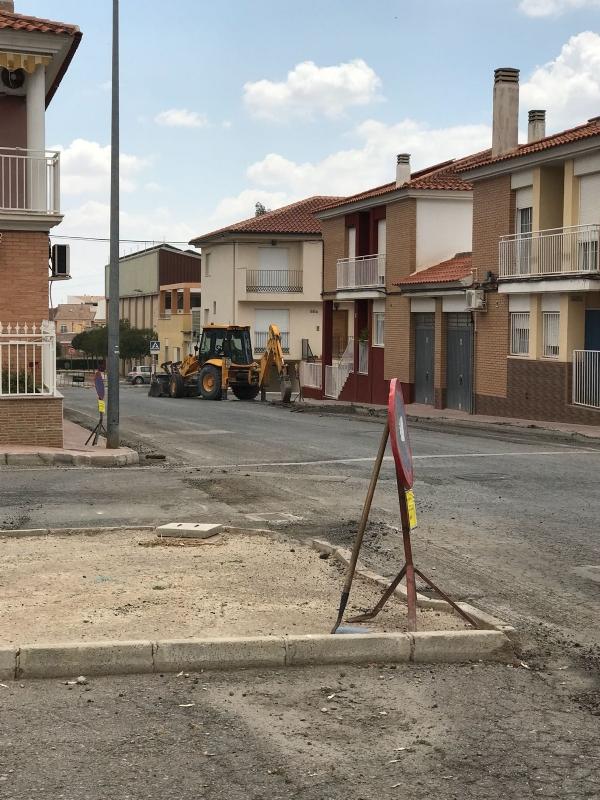 Comienzan esta semana las obras de pavimentación de la calle Moratalla, y de renovación de las redes de abastecimiento y saneamiento en la calle Sucre