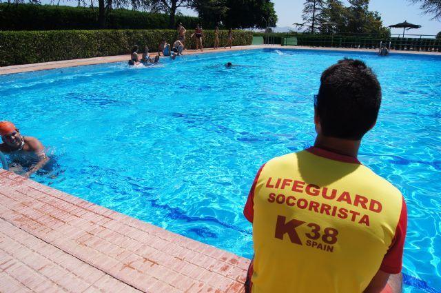 """Las piscinas del Polideportivo Municipal """"6 de diciembre"""" abren sus puertas este viernes 9 de junio coincidiendo con la festividad de la Región de Murcia"""