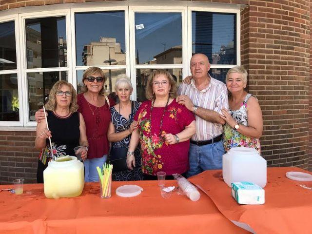 Comienza el programa de actividades de las fiestas del Centro Municipal de Personas Mayores de la plaza de la Balsa Vieja