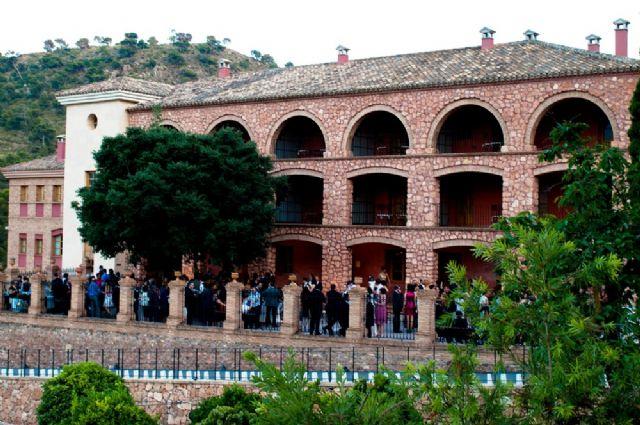 Se publica en el BORM el anuncio de licitación del contrato de arrendamiento del hotel y casas rurales del paraje de La Santa