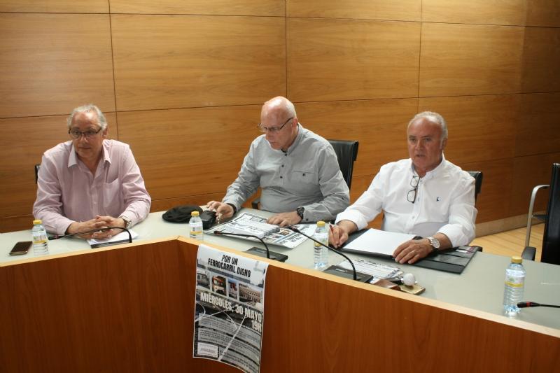 El Ayuntamiento de Totana acoge una reunión de alcaldes de la comarca del Guadalentín con los comités de empresa de Adif y Renfe para conocer sus reivindicaciones y necesidades ante la manifestación del 30 de mayo