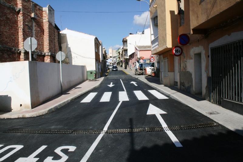 Se abre al tráfico el tramo de la Cañada Zamora que ha sido arreglado, entre la avenida de Lorca y la calle Santiago, dentro del Plan de Actuación Regional de Dinamización de Obras y Servicios Municipales