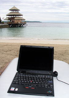 Wifi access on the beach. (davaotoday.com photo by Carlos H. Conde)