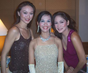 The author (center) with models Marina Benipayo (left) and Patty Betita.
