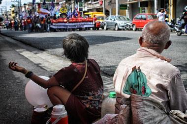 Progressives slam lack of gov't aid for the poor