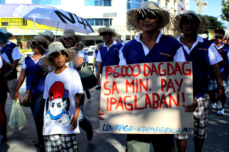 Government employees like those from Davao City Water District are fighting for PHP 6,000 increase in their salary.  (davaotoday.com photo by Ace R. Morandante)