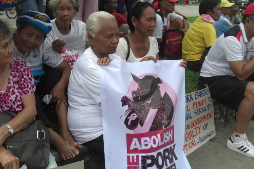 Churchpeople join anti pork barrel rally in Kidapawan