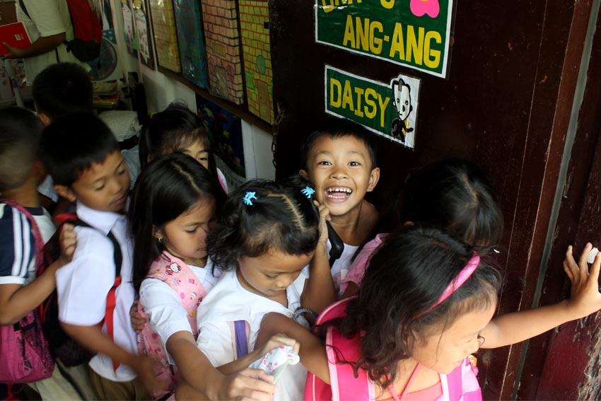 Groups score DepEd's cramming for school opening