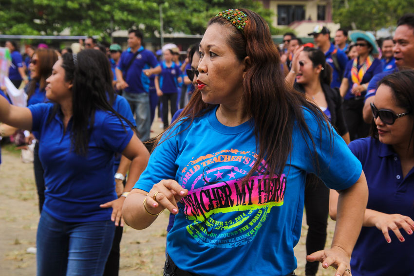 ZUMBA. Teachers from different schools danced to zumba at Davao City National High School during the World teachers day celebration. (Ace R. Morandante/davaotoday.com)