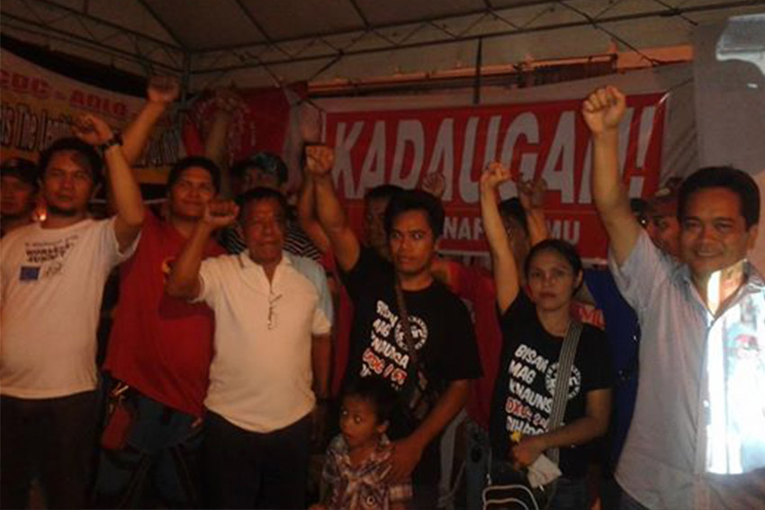 "Radio workers ""victorious"" amidst signed agreement with management, strike ended"
