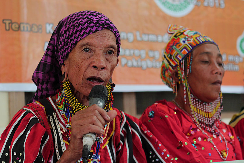 Bai Bibyaon Ligkayan Bigkay and fellow tribeswomen urge government and Davao City Mayor Rodrigo Duterte to pull out the soldiers troops from their communities in Talaingod, Davao del Norte.  (Ace R. Morandante/davaotoday.com)