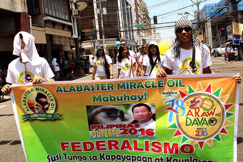 An herbal product company shows their support for Federalism which is espoused by city mayor Rodrigo Duterte. (Medel V. Hernani/davaotoday.com)