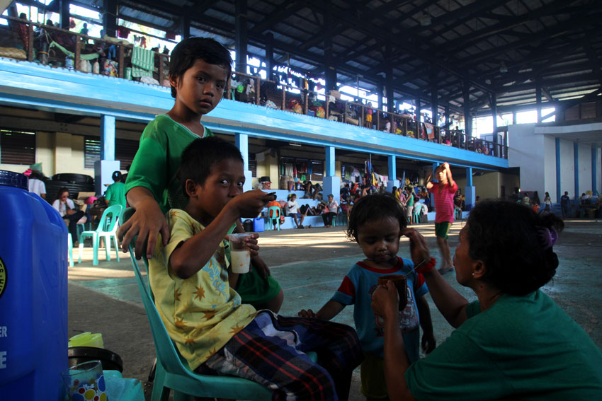 More evacuees flee villages in Surigao del Sur