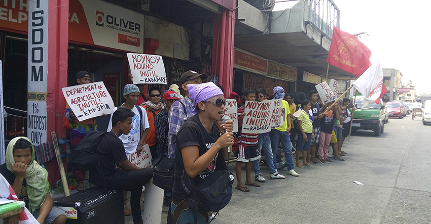 SOLIDARITY PROTEST. Farmers and Support groups from southern mindanao assembled at the Department of Agriculture region XI callingfor food and justice for the Kidapawan incident victims.