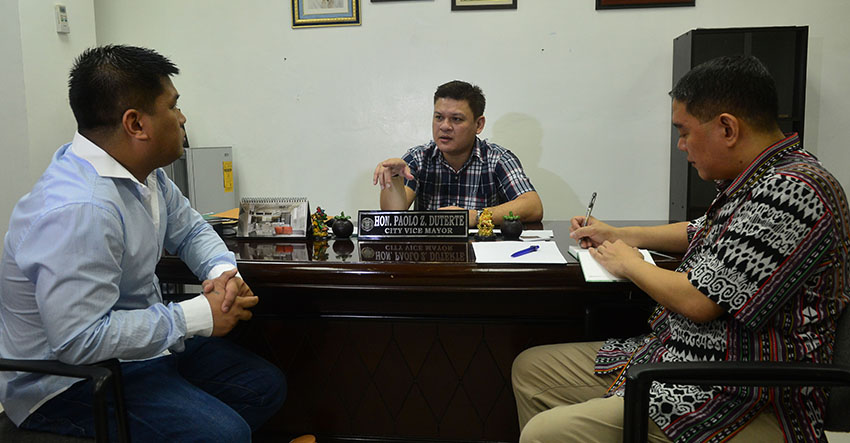 Davao City Acting Mayor Paolo Z. Duterte talks with  Kadayawan 2016 Co-Chairperson Art Boncato Jr. and Councilor Al Ryan Alejandre during the meeting of the Kadayawan executive meeting on Wednesday, July 13. (City Information Office)