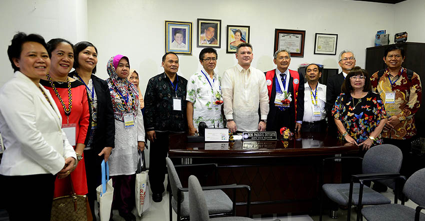 Members of the Association of Southeast Asian Nations, who are in the city for a 3-day Asean environmental forum pay a courtesy visit to Davao City Vice Mayor Paolo Duterte Tuesday, August 30. (City Information Office)