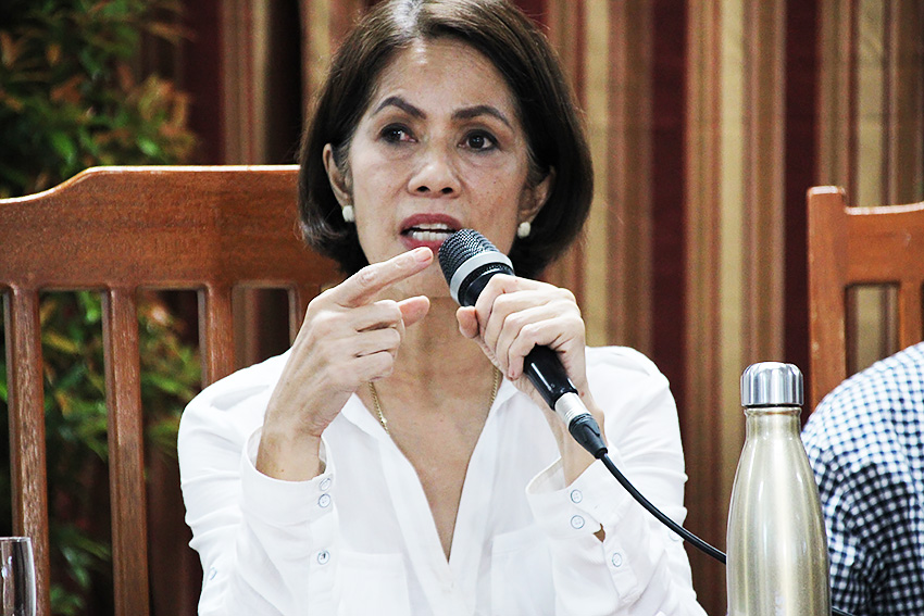 Lopez lauded for closure order vs. 21 mining companies