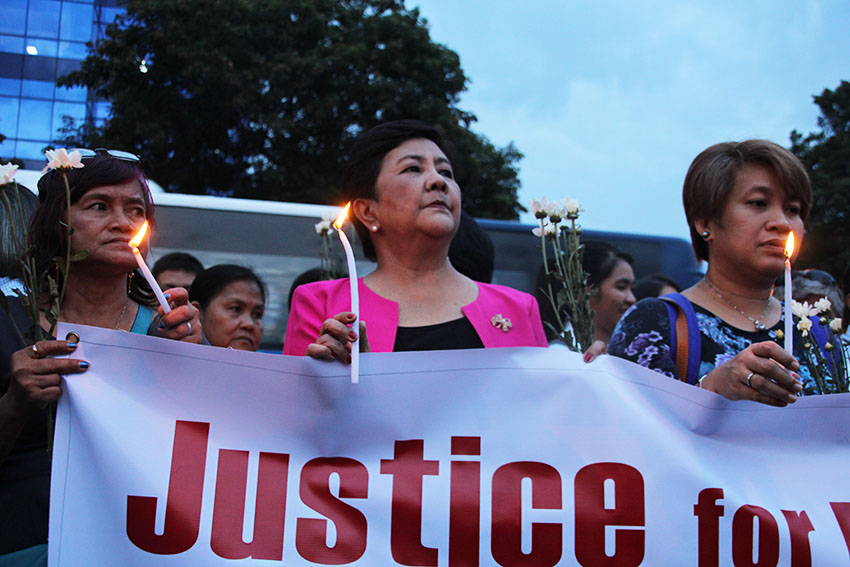 PHOTOS | Women leaders light candles for victims of Davao bombing