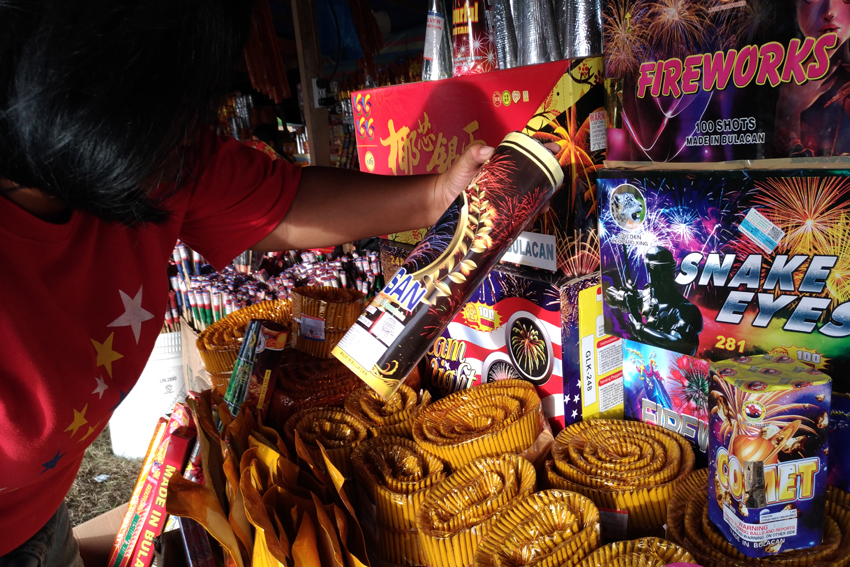 Duterte limits use of firecrackers