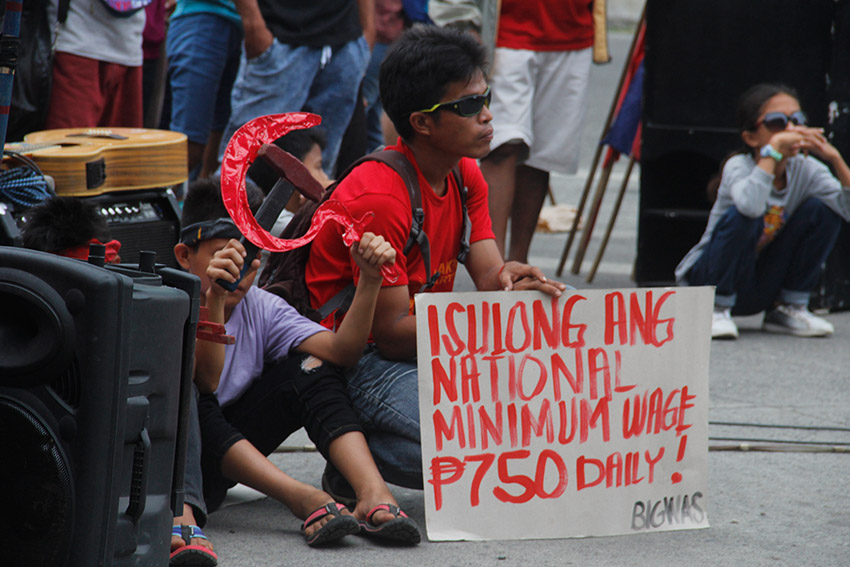 Workers dare Duterte to fulfill campaign promises during Bonifacio Day rally