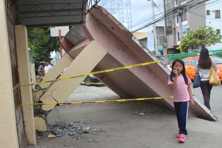 Twin quakes shake Davao City, Compostela Valley