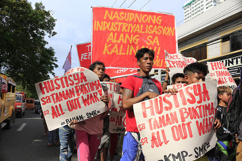 Make a 'genuine' stand on issues of poor Filipinos, poll bets told
