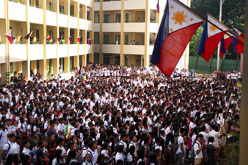 Deped: No more 'classes under the mango tree', but teachers say otherwise