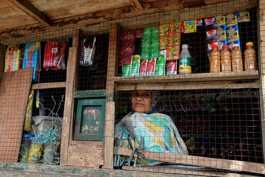 Brave Maranao woman refuses to abandon house, store in Marawi