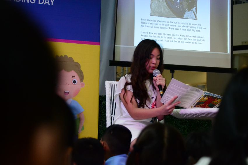Kitty Duterte reads to kids on National Children's Book Reading Day