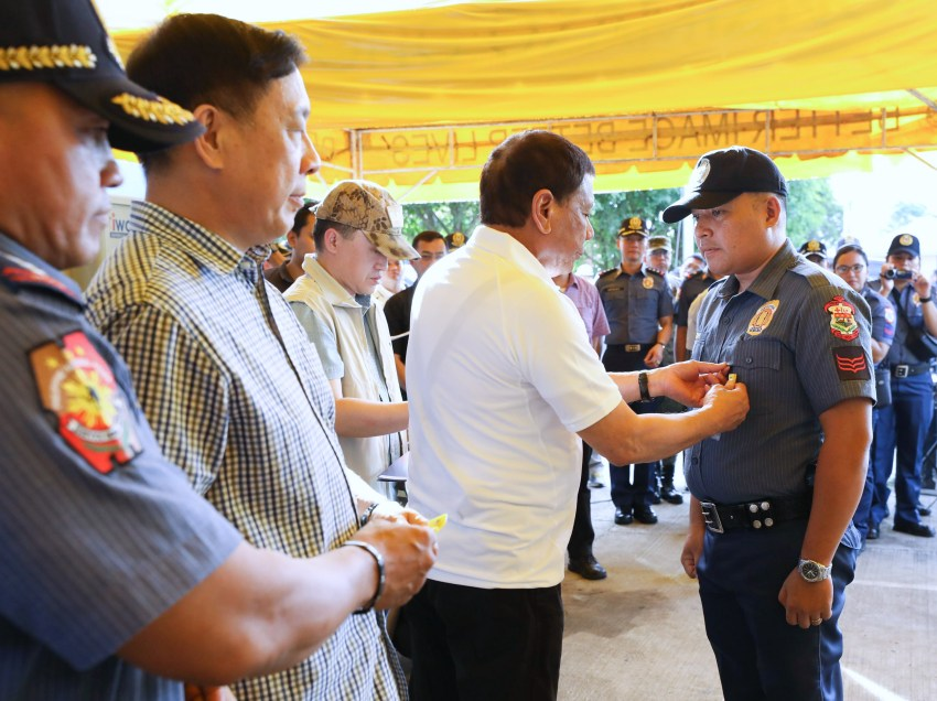 LOOK: President Duterte visits members of the Ozamiz City police
