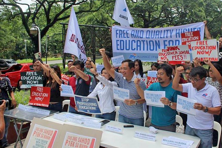 Teachers group hails Duterte's signing of free higher education bill