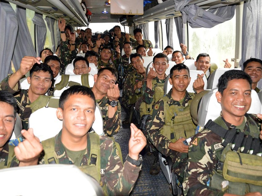 Gov't troops go home after 151 days in Marawi