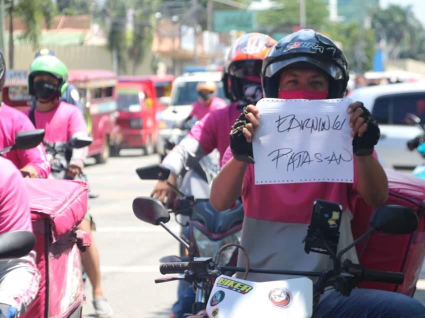 Foodpanda riders file labor complaint on management