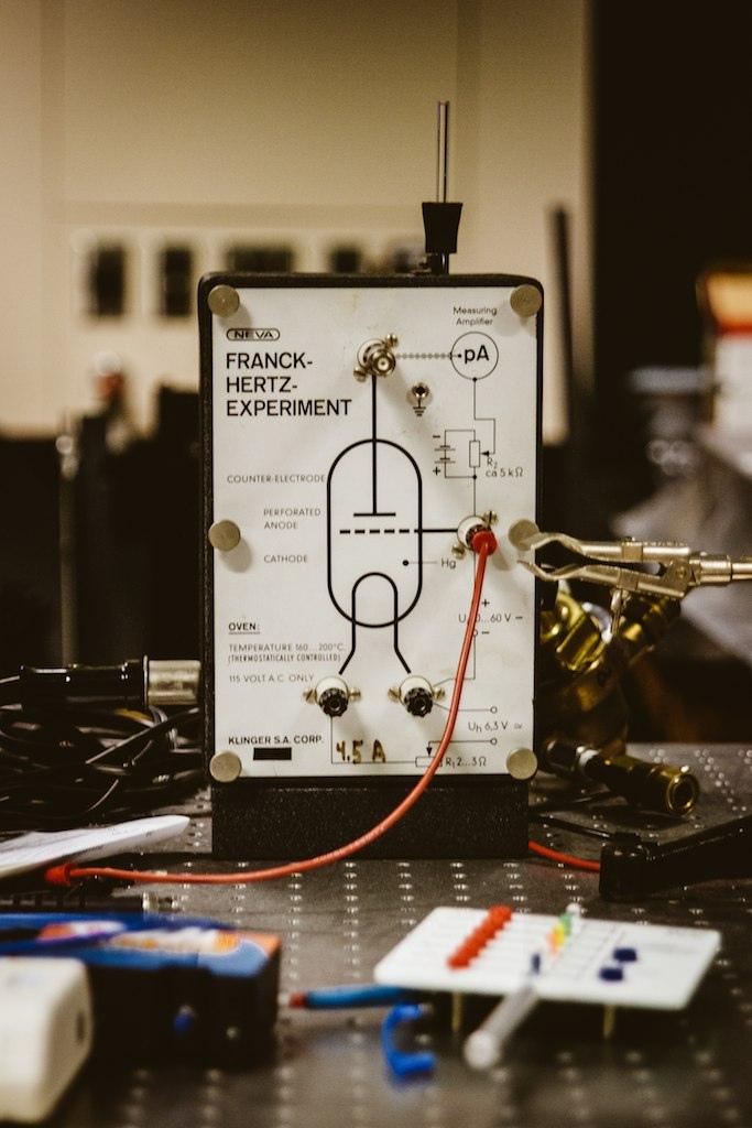 Franck–Hertz experiment