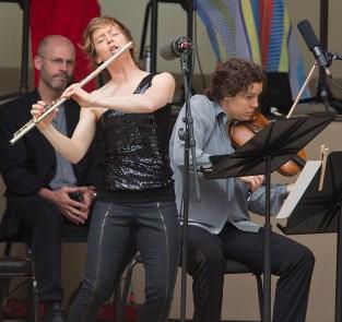 "Ojai Music Festival - Claire Chase, flue and Jennifer Curtis, violin - Kaija Saariaho's "" Terrestre: Oiseau dansant"""