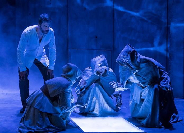"Macbeth (Jamison Jones) consults the Witches - Ensemble Theatre Co. ""Macbeth"" 9/28/16 New Vic Theatre"