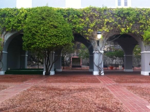 Quaint arches near the fountain.