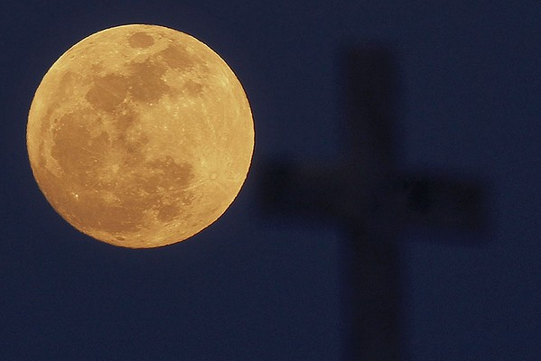 "The Sermon as ""Super Moon"""
