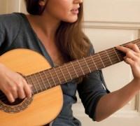 Cần gia sư dạy đàn Guitar tại công ty