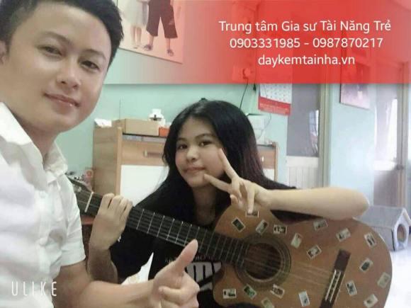 Dịch vụ dạy học đàn Guitar tại nhà