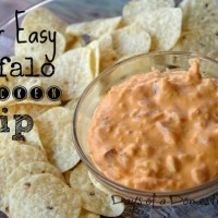 Super Easy Buffalo Chicken Dip