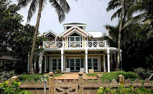 Beach home architecture in Naples FL