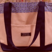 What's In My {Vineyard Vines} Tote?