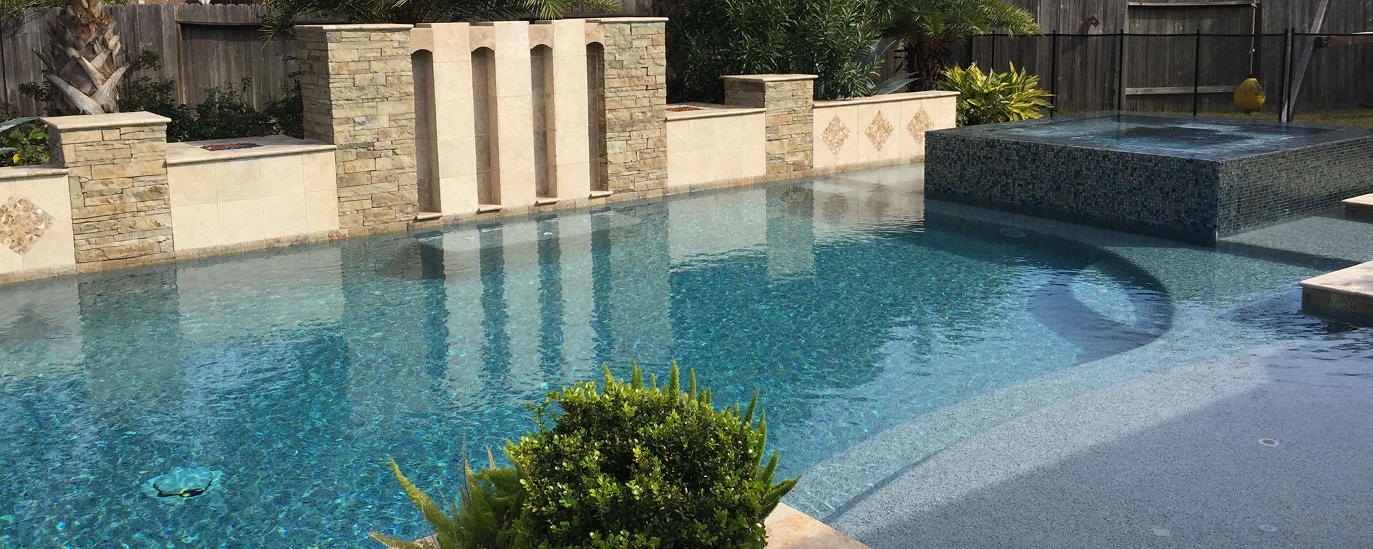 Custom pools outdoor designs dc pools katy texas for Pool design katy