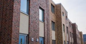 multifamily-low-rise-brick-TS-469869450_0