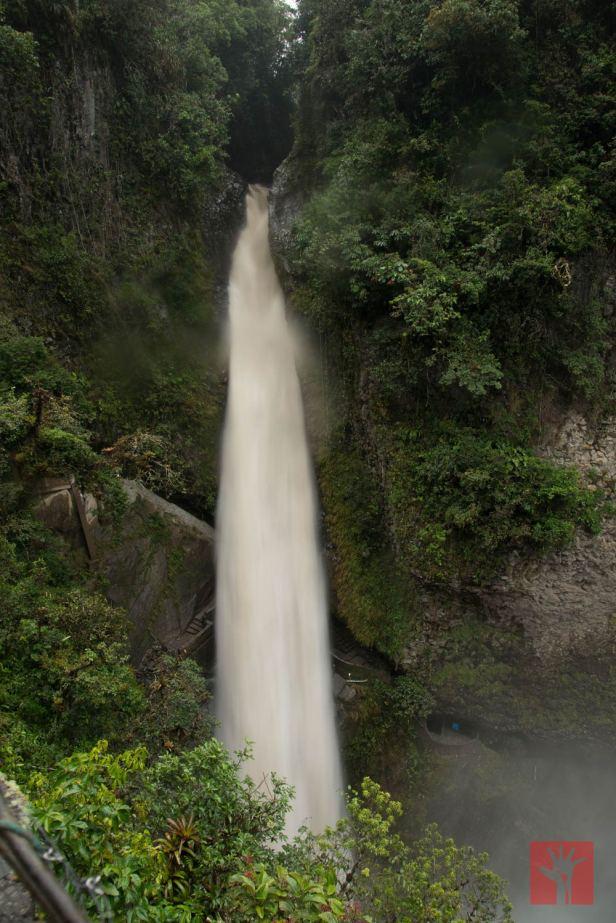 La intensidad de la caída del agua en el Pailón del Diablo nos dejó atónitos.
