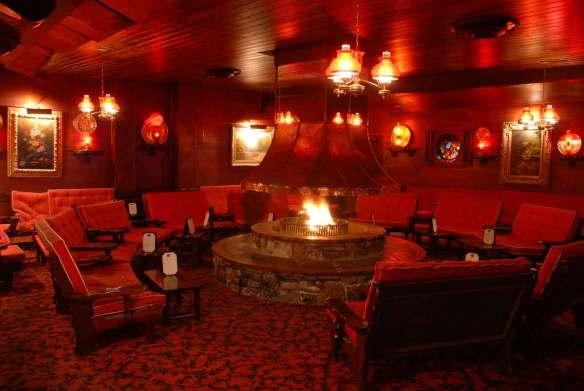 Clearman's Steak 'n Stein fireplace lounge