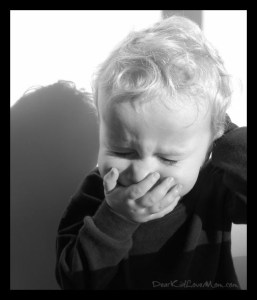 Sneeze Achoo! DearKidLoveMom.com Facts you probably don't know about sneezes