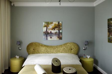 schlafzimmer farben kombination salbeigruen gelbgruen betthaupt
